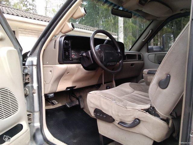 Dodge Ram 2500 10