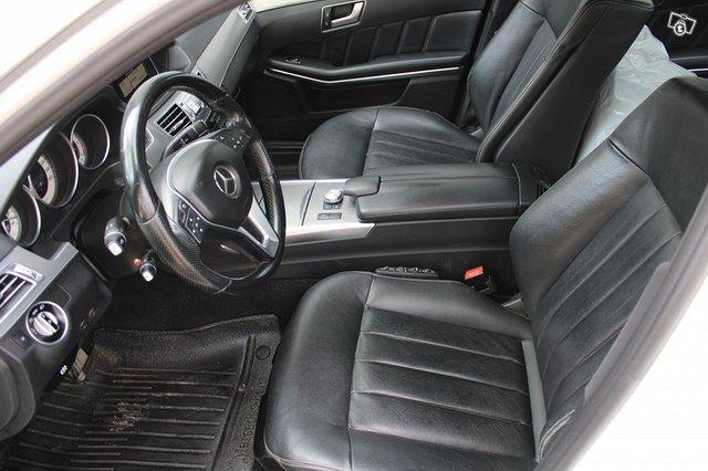 Mercedes-Benz E 200 CDI 7