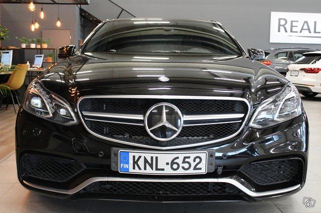 Mercedes-Benz E 63 AMG 5