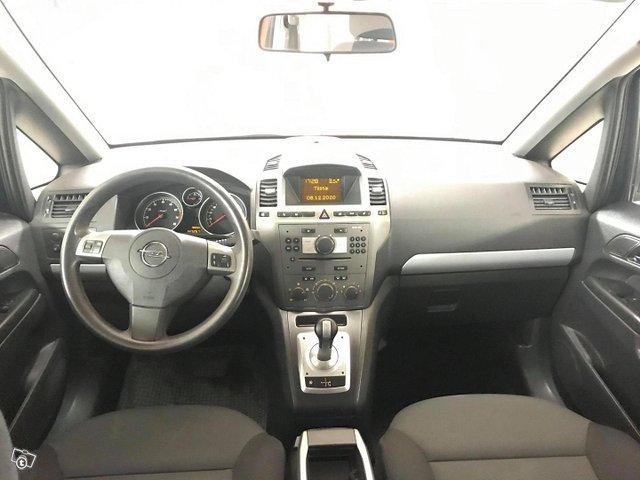 Opel Zafira 7