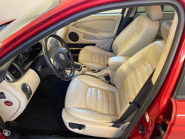 Jaguar X-type 10