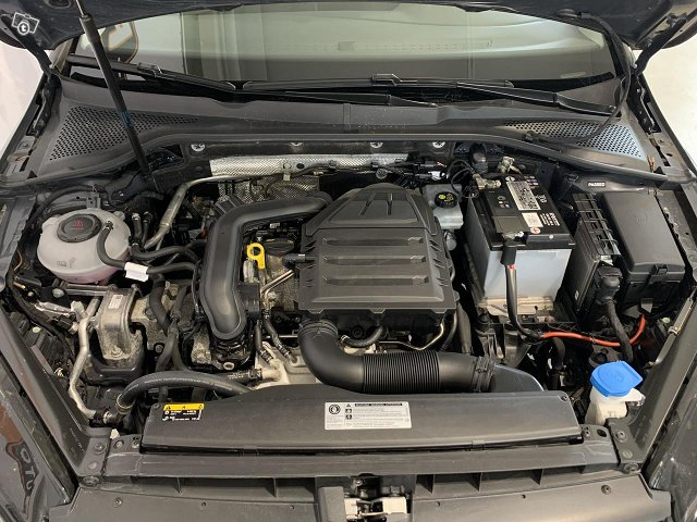 Volkswagen Golf 12