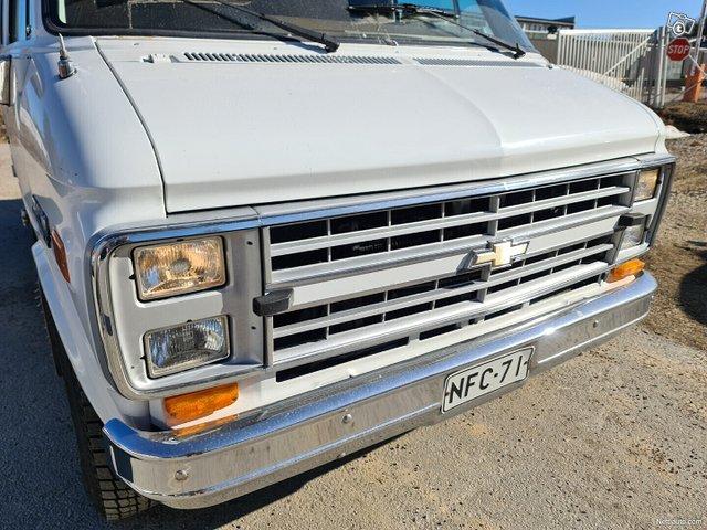 Chevrolet Chevy Van 18