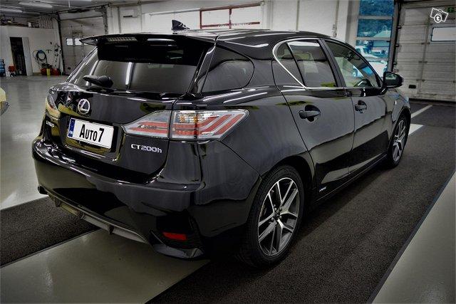 Lexus CT 5