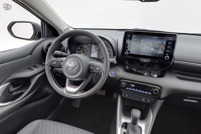 Toyota Yaris 10