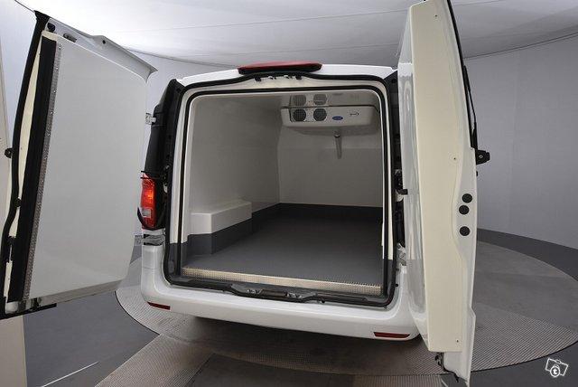 Mercedes-Benz VITO 22