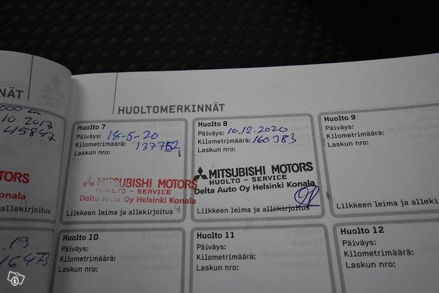 Mitsubishi OUTLANDER 24
