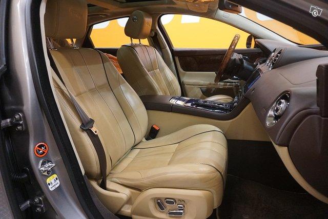 Jaguar XJ 7