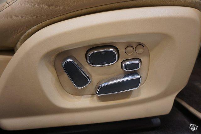Jaguar XJ 25