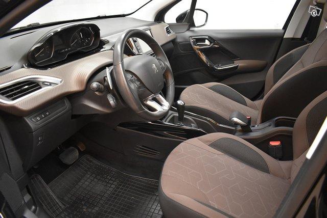 Peugeot 2008 10