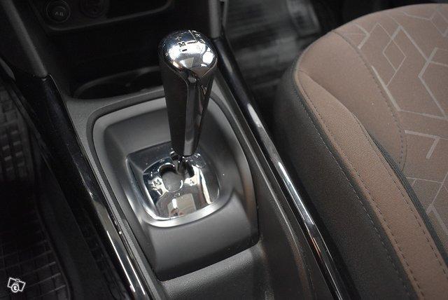 Peugeot 2008 25