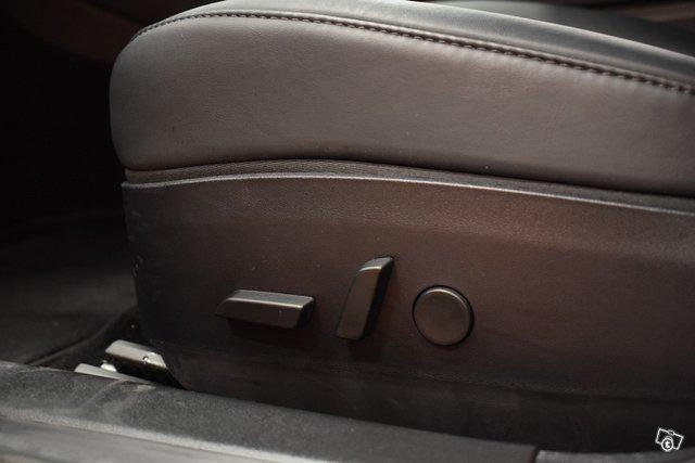 Tesla Model 3 16