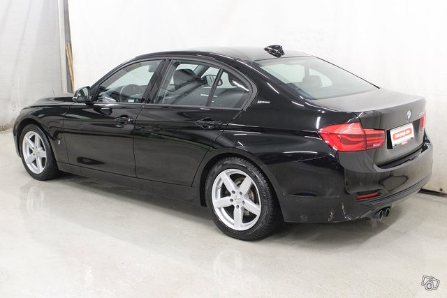 BMW 330 6