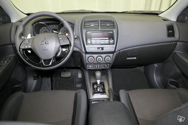 Mitsubishi ASX 10