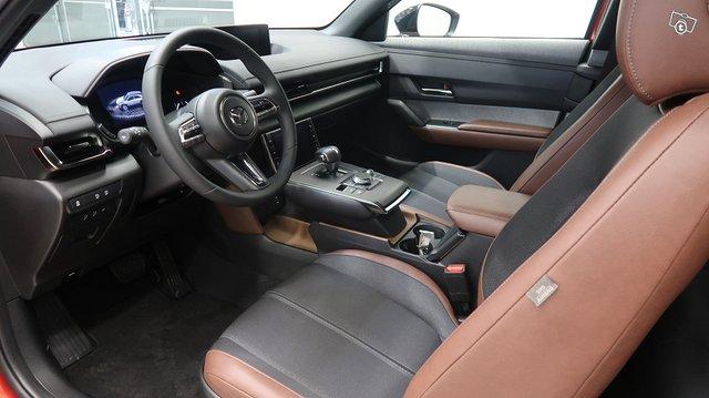 Mazda MX-30 6