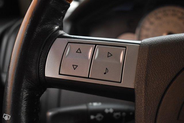 Chrysler 300C 17