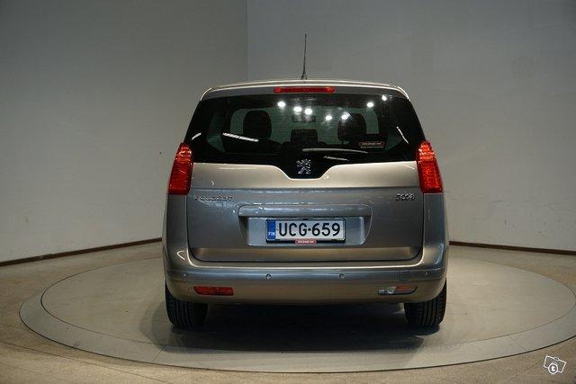 Peugeot 5008 6