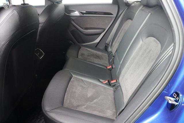 Audi RS Q3 7