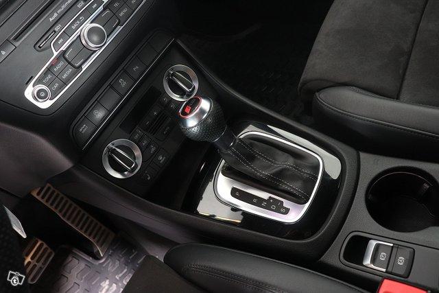 Audi RS Q3 11