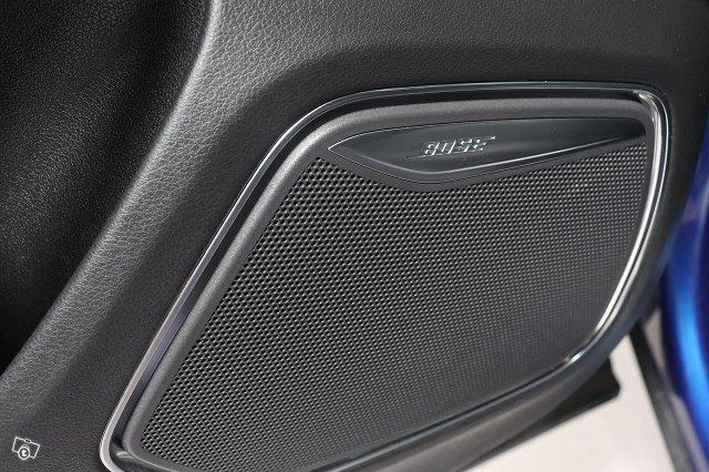 Audi RS Q3 12
