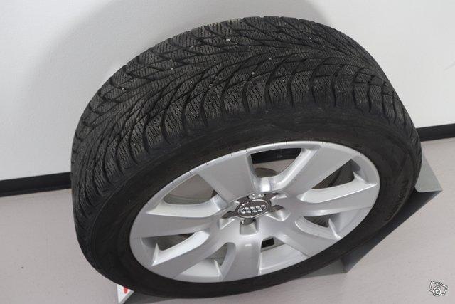 Audi RS Q3 15