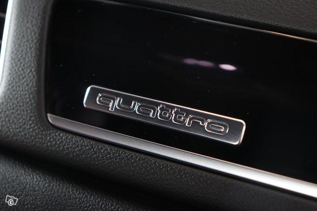 Audi RS Q3 16