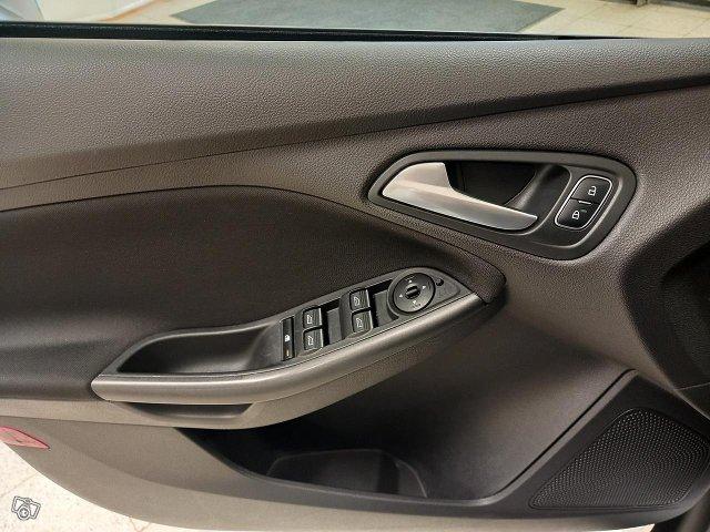 Ford Focus 11
