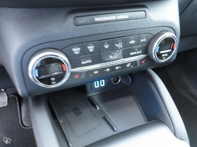 Ford KUGA 18
