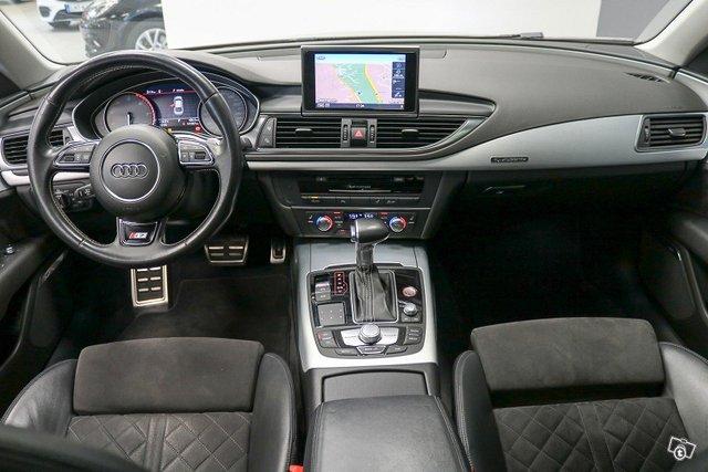 AUDI S7 8