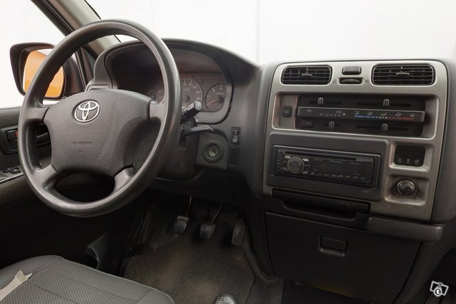 Toyota Hiace 10