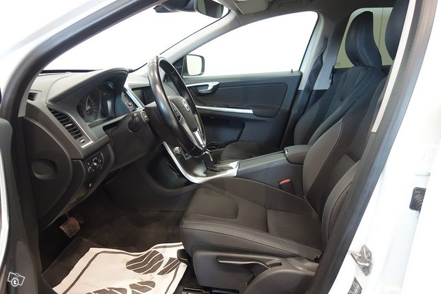 Volvo XC60 13