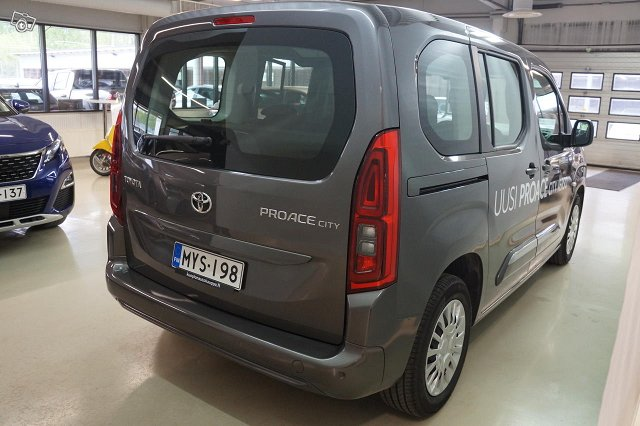 Toyota PROACE CITY VERSO 4