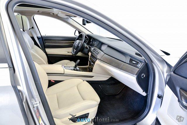 BMW 740 17