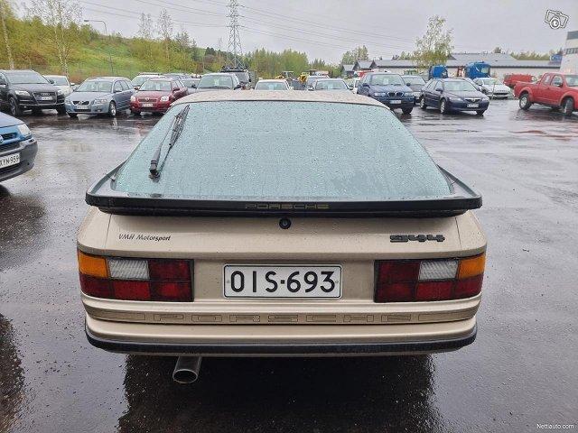 Porsche 944 6