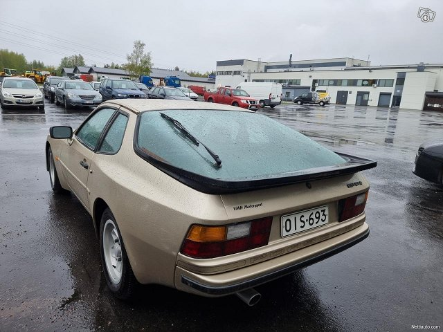 Porsche 944 7