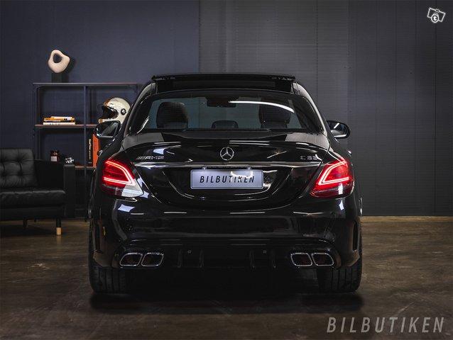 Mercedes-Benz C 63 AMG 4