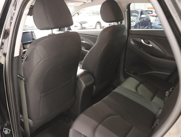 Hyundai I30 Fastback 10
