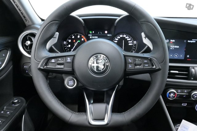 Alfa Romeo GIULIA 8