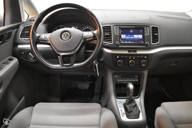 Volkswagen Sharan 12