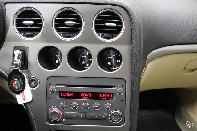 Alfa Romeo 159 17