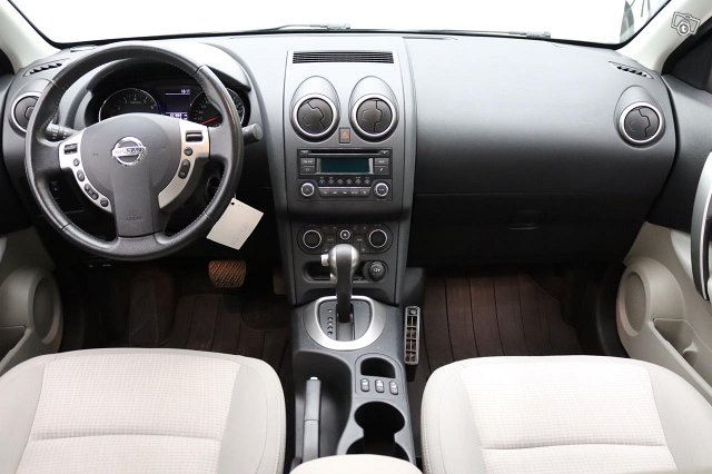 Nissan QASHQAI 4