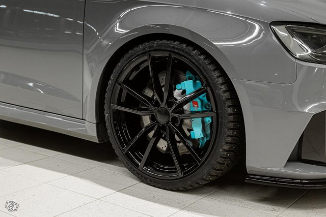 Audi RS3 5