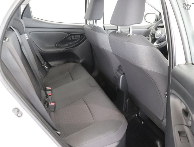 Toyota Yaris 7