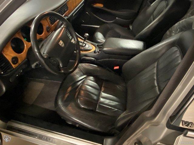 Jaguar XJ8 6