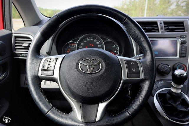 Toyota Verso-S 7