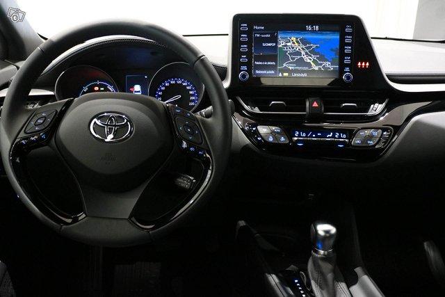 Toyota C-HR 9