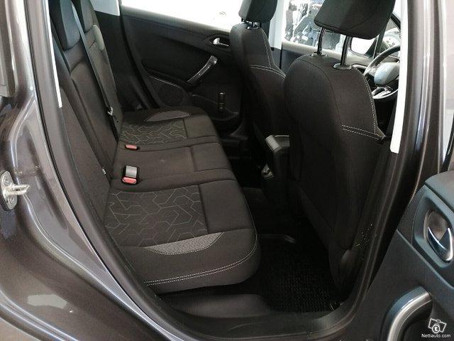 Peugeot 2008 14