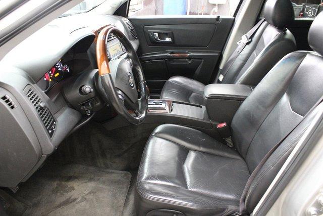 Cadillac SRX 9