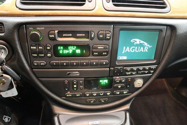 Jaguar S-Type 24
