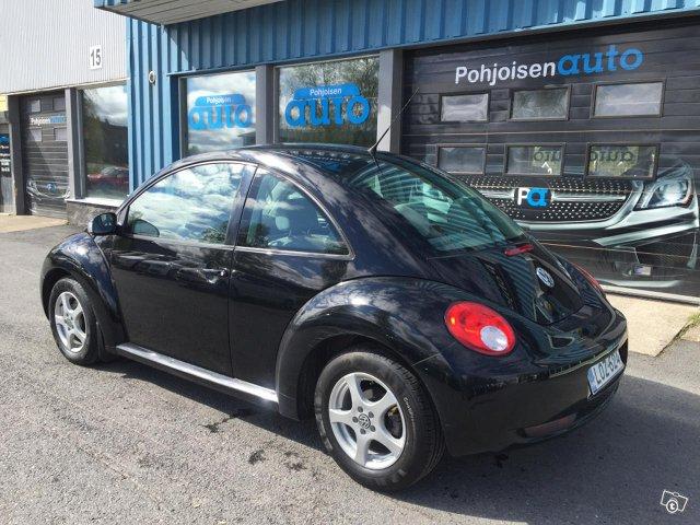Volkswagen New Beetle 3